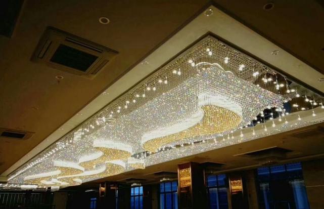 关于酒店水晶灯的风格根据哪些特点来设计呢