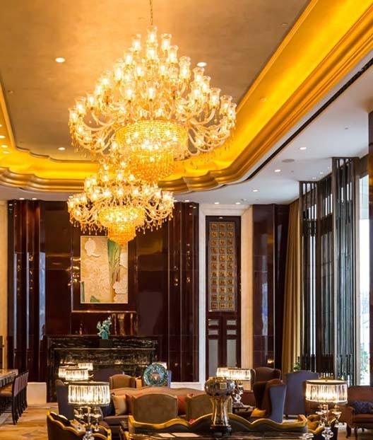 售楼部灯带给人一种高贵典雅的感觉