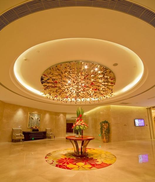 售楼处灯饰可以赋予空间一种清朗明快的感觉