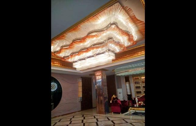 售楼大厅梅花管吸顶灯