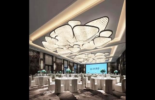 酒店宴会厅艺术灯具